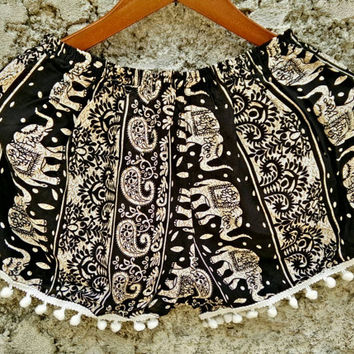 Shorts with pom pom trim elephants paisley fabric Boho pattern Styles festival Clothing Rayon Bohemian Summer holiday Clothes in black white