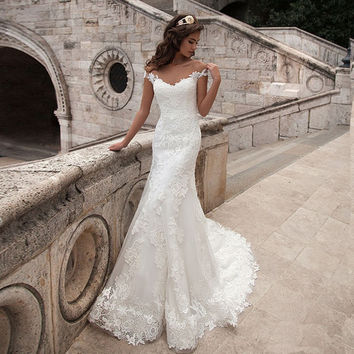 Long Elegant Vintage Mermaid Wedding Dresses Scoop Neck Bridal Gown Sexy Cap Sleeve Bridal Gown Sweep Train