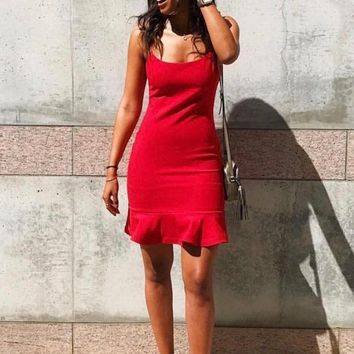 LIKELY | Banks Dress - Scarlet