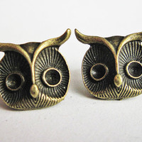 Owl post earrings antiqued brass owl stud earrings by RobertaValle