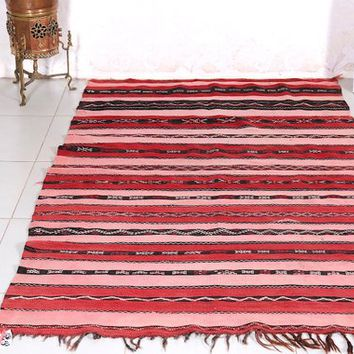 Moroccan kilim in red 3.9ft x 6.4ft Handwoven rug in Red