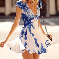 Blue and white porcelain printing big pendulum printing deep v-neck cultivate one's morality dress
