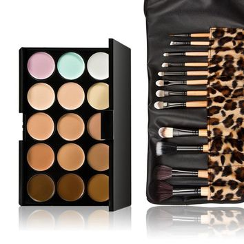 15-color concealing and contouring palette and 12-piece leopard-print brush set. Use your artistic eye to create unique makeup l