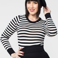 Pullover Sweater in Black and White Stripes