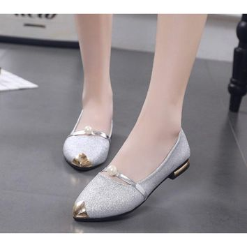 Spring Pointy Flat-Bottom Soft Bean Shoes