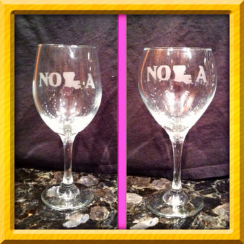 20 oz etched NOLA wine glass red or white wine glass Set of 2