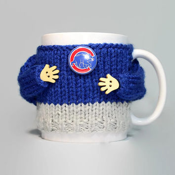Chicago Cubs mug cozy. Cubs mug sweater. Mug hug. Mug sleeve. Travel mug sleeve. Stocking stuffer. Gift idea. Gift for him. Tea cozy.