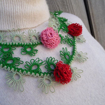 Handmade jewelry - green necklace - vintage style - tatting-Spring fashion -spring jewelry-flower necklace-gift for her- party cocktail