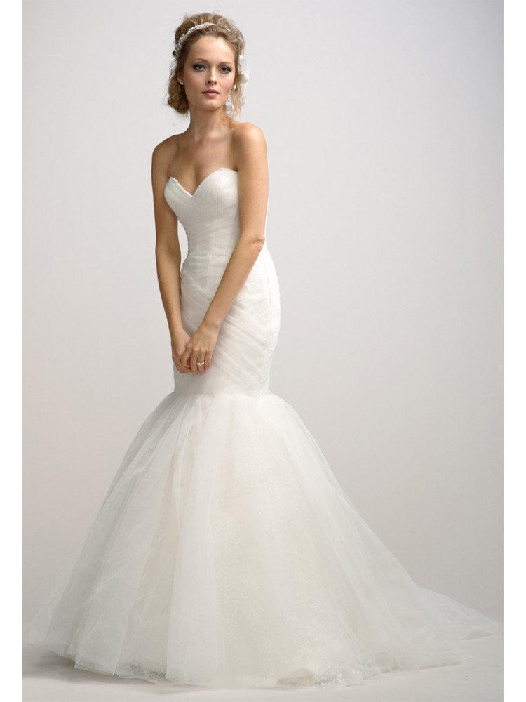 Ivory sweetheart neck tulle fit and flare from for Fit and flare wedding dress with sweetheart neckline