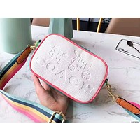 Coach fashion hot selling lady embossed color single shoulder bag casual shopping bag