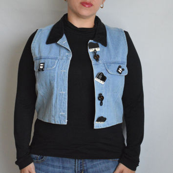 SALE 90's Vintage Sleeveless Denim Jacket with Piano Treble Clef and Musical Notes Buttons