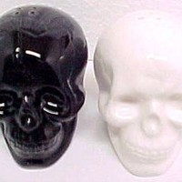 1 X Black & White Ceramic Skull Salt & Pepper Shakers
