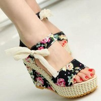 ONETOW Shoes Women 2017 Summer New Sweet Flowers Buckle Open Toe Wedge Sandals Floral high-he