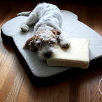 The original Toasty Pet Bed - Toast-shaped dog or cat bed
