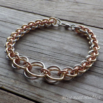 Mixed metal graduated chainmaille bracelet in aluminum, copper and brass; chainmaille jewelry; chain maille bracelet; mixed metal bracelet