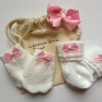 Newborn Girl sock and mitten set, baby sock and mitten set, newborn mittens, newborn socks, baby mittens, baby socks, Ready to Ship