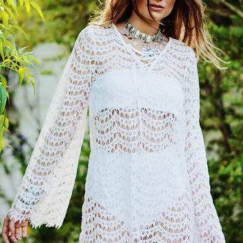 FLY AWAY LACE BELL SLEEVE DRESS