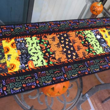 Halloween Quilted Table Runner 627