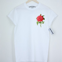 Vintage Rose  T-shirt - Relaxed Fit Unisex T-shirt