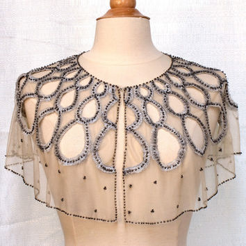Moyna : tulle capelet
