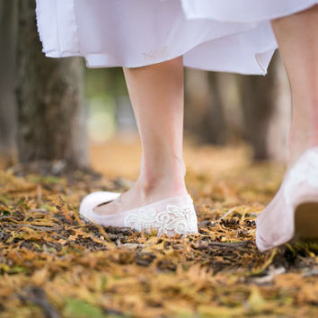 Blush Flats - Wedding Flats/Wedding Shoes, Blush Wedding Flats with Ivory Lace. US Size 8