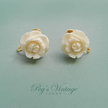 Vintage Ivory White Rose Earrings Screw-Backs, Dainty Celluloid Carved Rose Earrings, Mid Century Wedding Earrings, Bride Flower Girl Gift