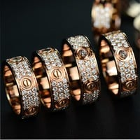 Trendy men and women in Cartier fashion trendy fashion trendy ring F
