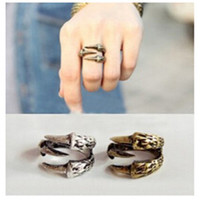 nj9 European and American vintage jewelry ring ring female punk rock Talon 3g