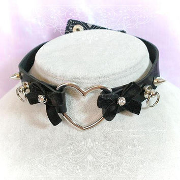 BDSM Daddys Girl Choker Necklace Black Faux Leather Heart O Ring VelvetBow Rhinestone Spikes Kitten Play Collar goth Punk Rock DDLG