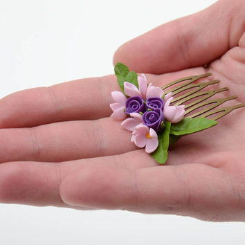 Handmade decorative hair comb with cold porcelain roses and lilac flowers