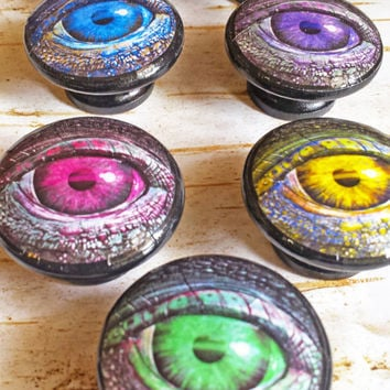 Creature Eyes Knobs, Handmade Glowing Eyes Drawer Pulls, Dragon Reptile Eye Cabinet Pull Handles, Boys Room Decor, Man Cave, Made To Order