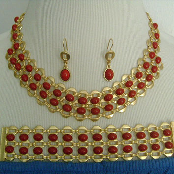 T For Talbots Jewelry Sets Matte Gold Tone Finish With Oval Shaped Red Coral Cabochons Adjustable Wide Necklace Bracelet and Dangle Earrings
