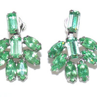Vintage Emerald Green Dangle Marquise Crystal Rhinestone Earrings