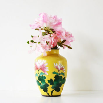 Center Piece - Antique Yellow Japanese Cloisonne Vase - Vintage - Home Decor - Flowers - Signed - Summer - Garden - Green - Pink