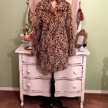 Leopard Faux Fur Coat, Fun Winter Jacket, Animal Print Coat, Vintage Faux Coat, Winter Outerwear, Fluffy Buttoned Coat, Womens Size Small