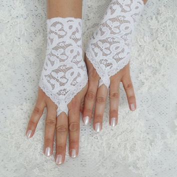 Short Finger loop Lace Gloves, White Wedding Armwarmers with Lace Trim, Hand Covers, Bridal Retro Mittens, Regency Fingerless,Victorian