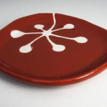 Small plate berries in white and red by hopejohnson on Etsy