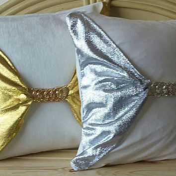 Metallic Silver and Metallic Gold Chain Linked Buckle Luxury Pillow Cover (2-Piece Set)