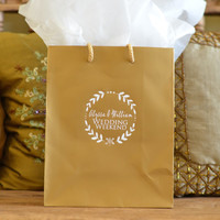 35 Personalized Hotel Wedding Welcome Bags with Wreath Border