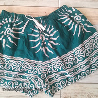 Green Flora Boho Aztec Ethnic Beach Summer Shorts Pants Print Hobo Styles Bohemian Ikat Unique Pattern Clothing Boxer Cute Gift For Women