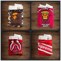 A Bathing Ape/Bape Blanket Baby Milo Bape Blankets Brand Supreme Shark Soft Fleece Bla