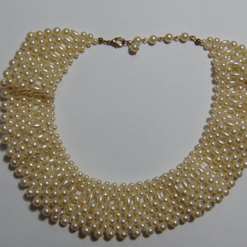 Vintage Luxurious Ruffled Pearl Choker Collar Necklace 1950-1960