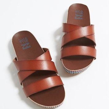 Billabong - Wrap Me Up Sandal | Desert Brown