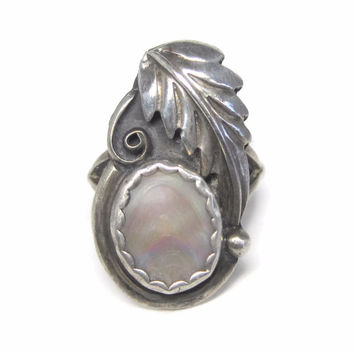Vintage Navajo Sterling Mother of Pearl Feather RIng Size 8