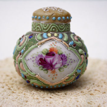 Rare Antique Shaker Porcelain Japan Moriage Asian Art Hand Made Salt Pepper Shaker Orphan Raised Paint Emerald Green Floral Shaker Collector