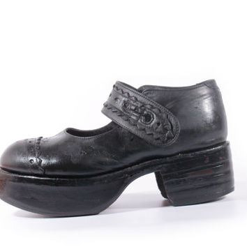 90s Vintage Black Platform Mary Janes Leather Chunky Distressed Grunge Goth Retro Shoes Womens Size US 9 UK 7 EUR 39/40