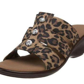 MDIGYW3 Onex Miley Brown Leopard Sandals