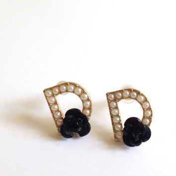 Anthropologie White Mini Pearl Black Rose Gold Plated Stud D Earrings