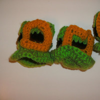 Handmade crocheted leprechaun hat candy by CanadianCraftCritter