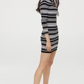 Fitted Dress - Black/white striped - | H&M US
